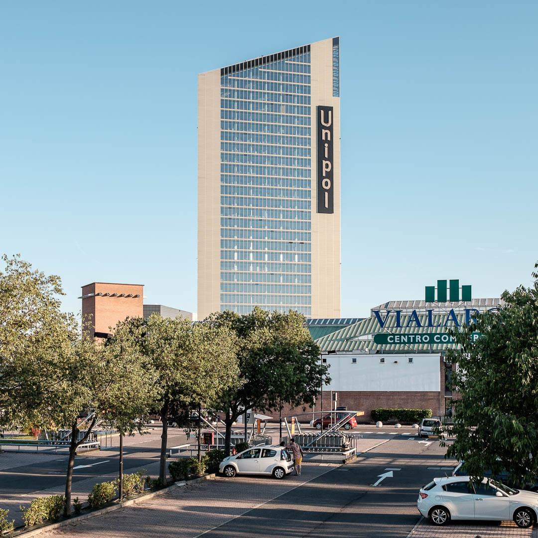 Centro commerciale via Larga